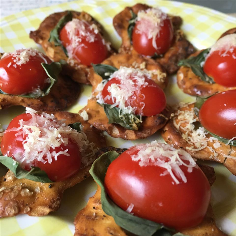 Tomato, Cheese and Basil Pretzel Crisps® Bites Jamie Justice Yost
