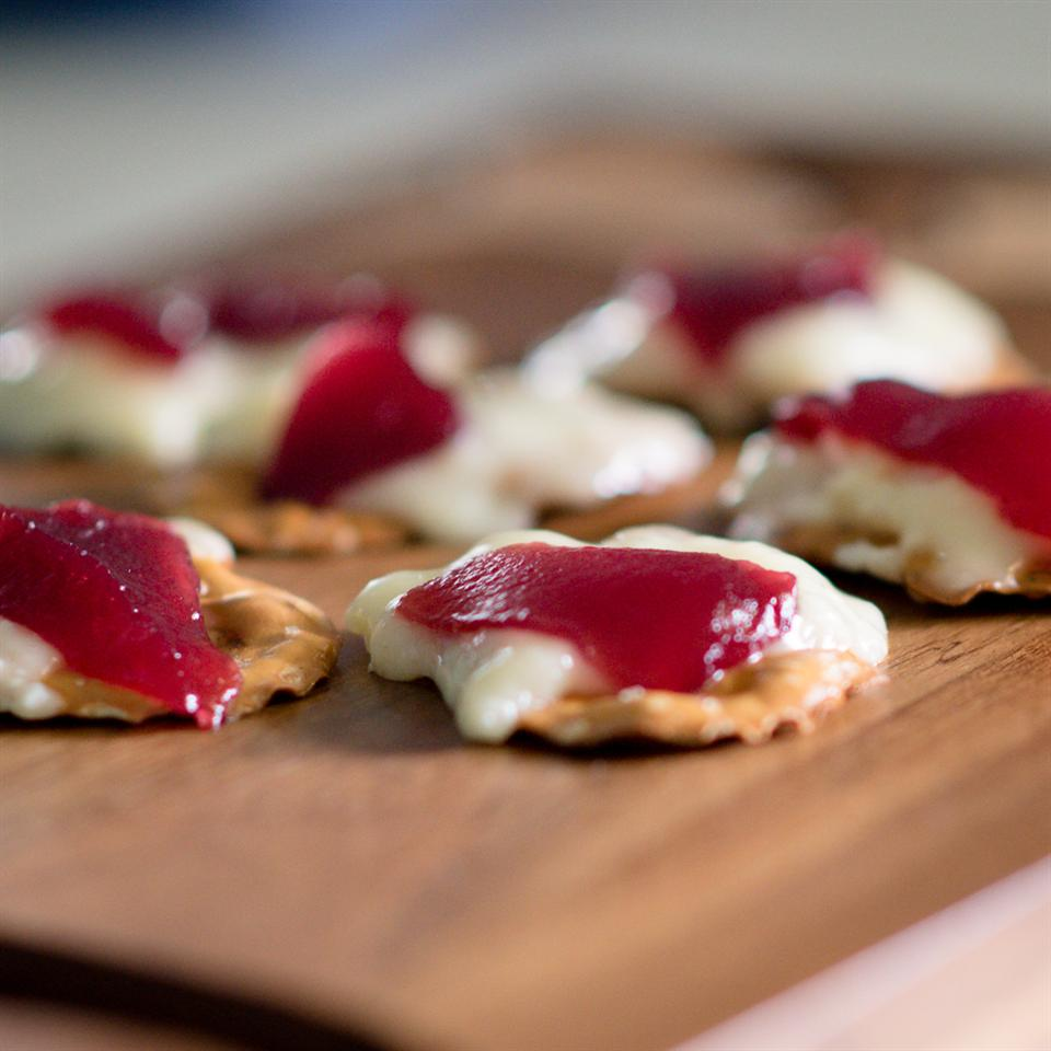 Cranberry-Brie Holiday Bites Erica Brown