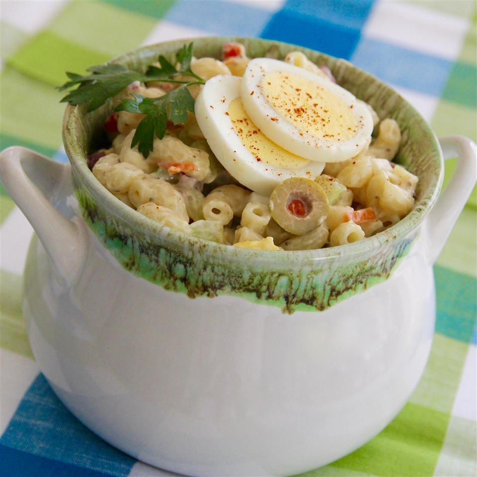 Macaroni Salad with Pickles