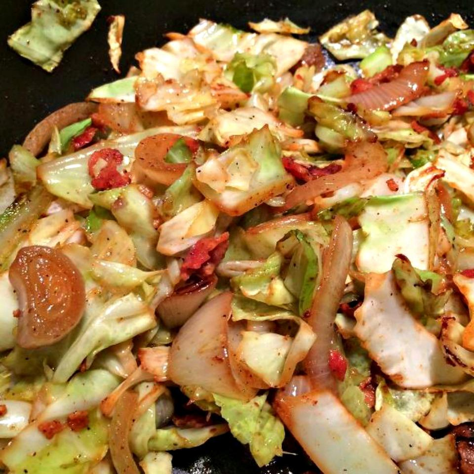 Fried Cabbage with Bacon, Onion, and Garlic calangel58