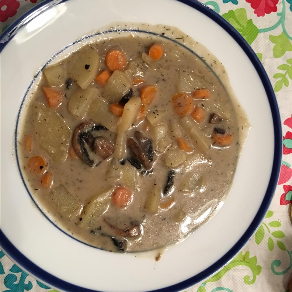 Russian Mushroom and Potato Soup housefullofblessings