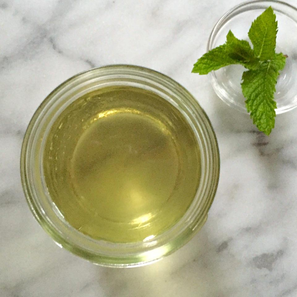 Mint Simple Syrup foodelicious