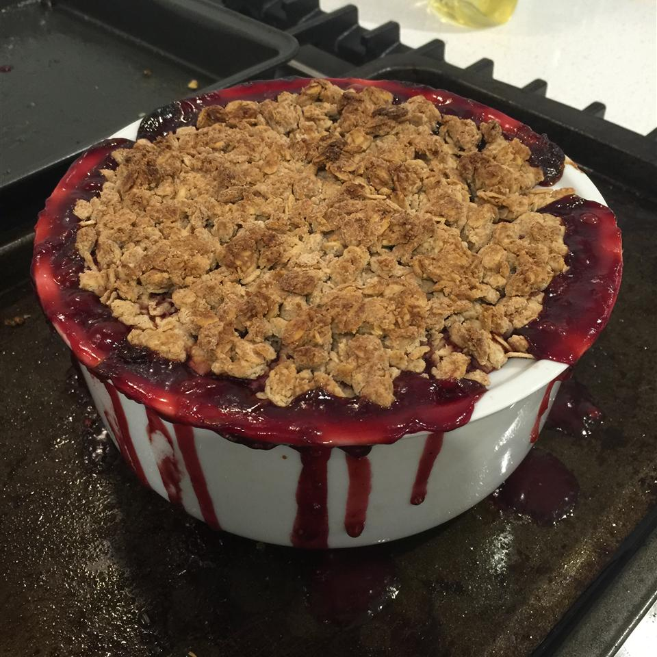 Apple-Raspberry Crisp Domestic Goddess