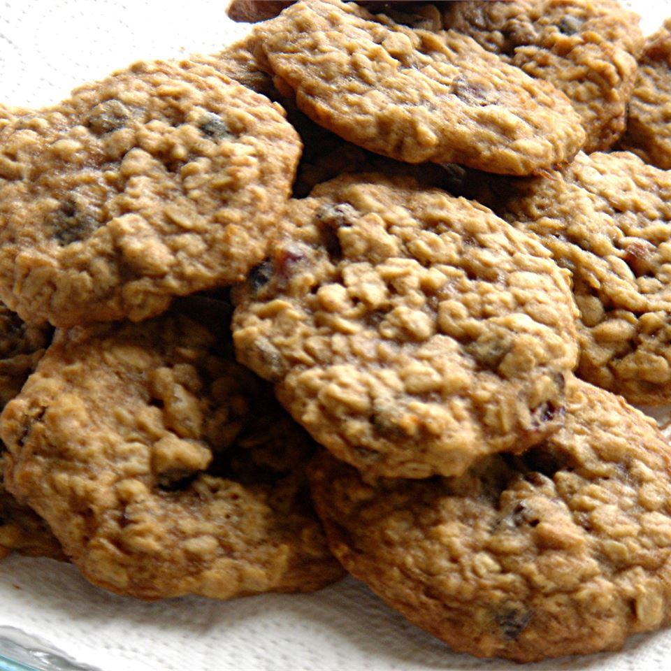Beth's Spicy Oatmeal Raisin Cookies MommyFromSeattle