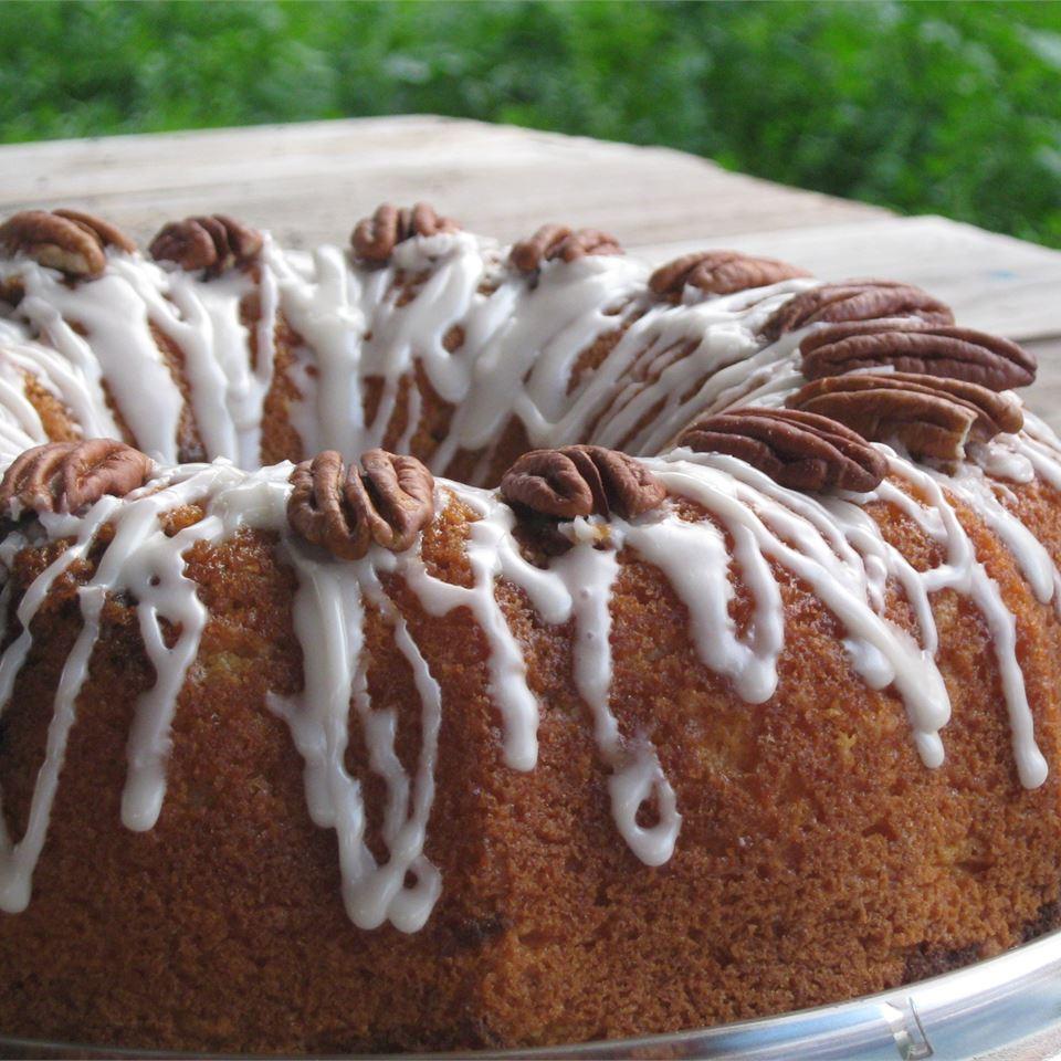 Honey Bun Cake I Jennifer Walker