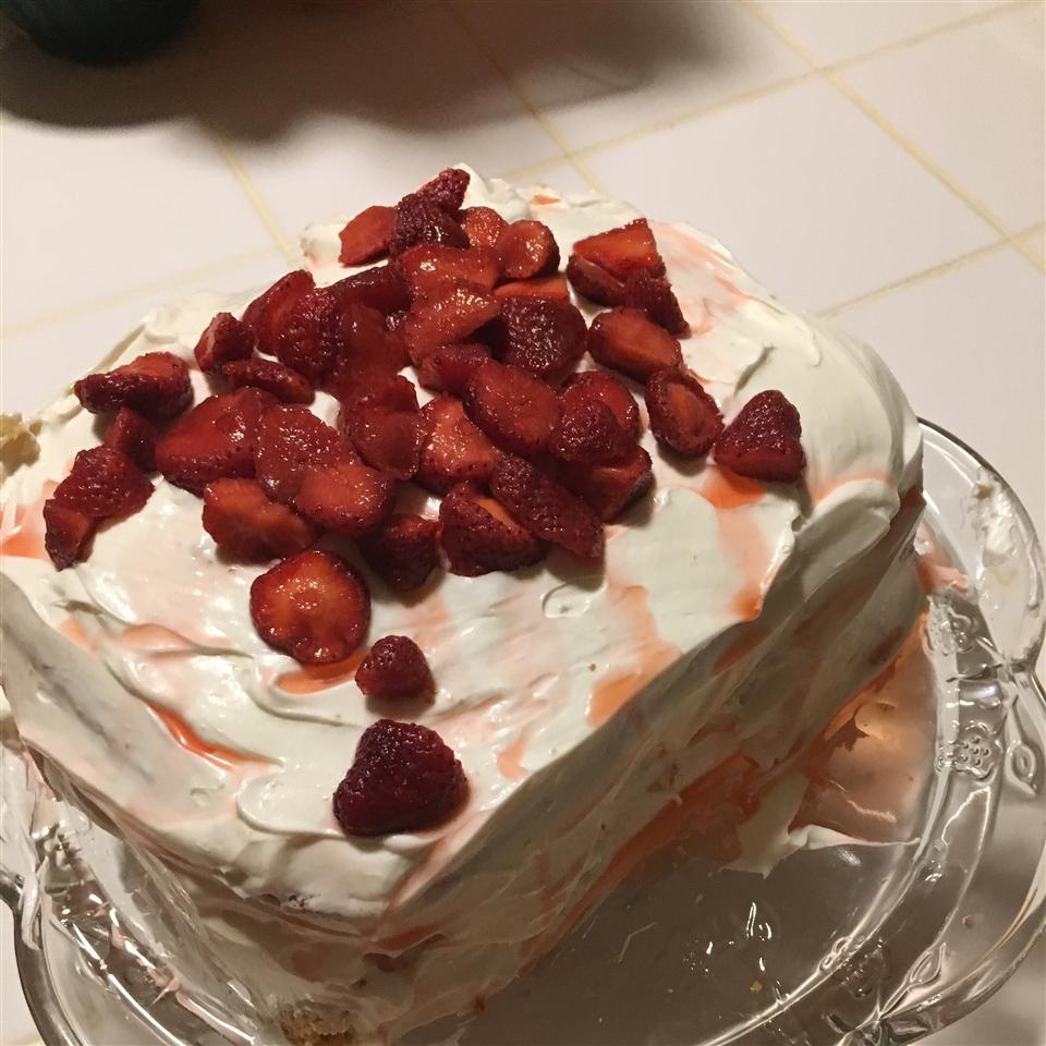 Vanilla Layer Cake with Strawberries Juria Snipes