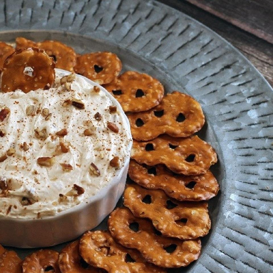 Cinnamon Sugar Pecan Dip Trusted Brands