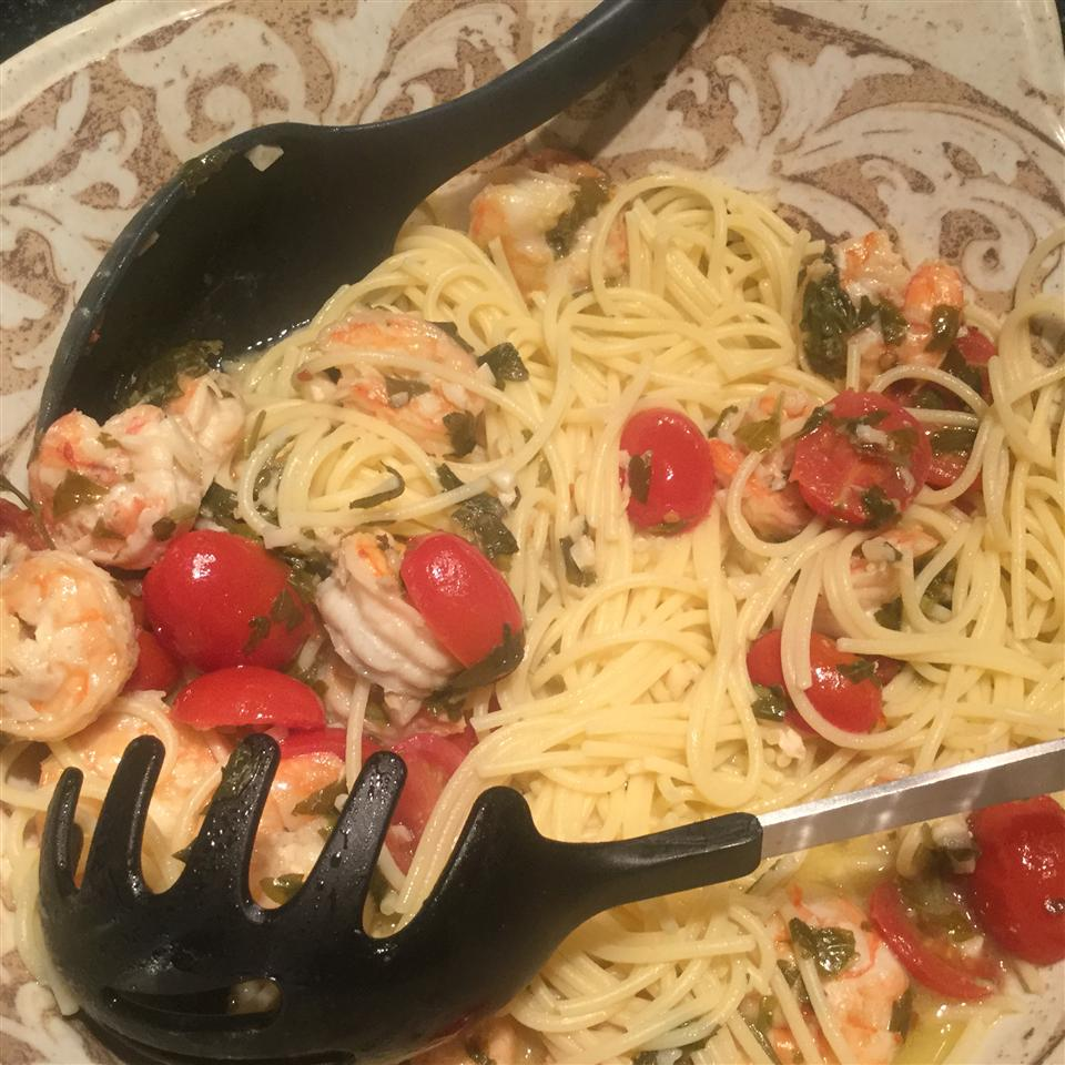 Shrimp Scampi with Linguini Connie