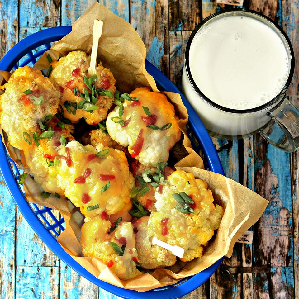 Roasted Sriracha Cheese Cauliflower Bites