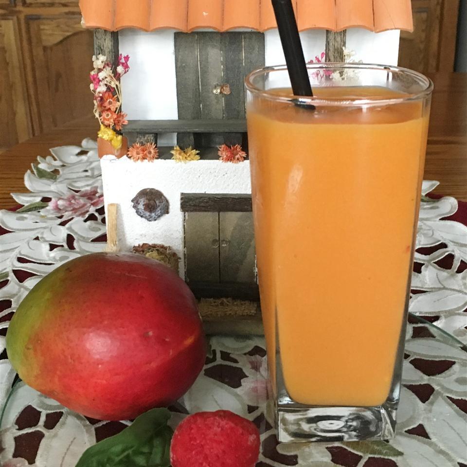 Basil Strawberry Mango Smoothie