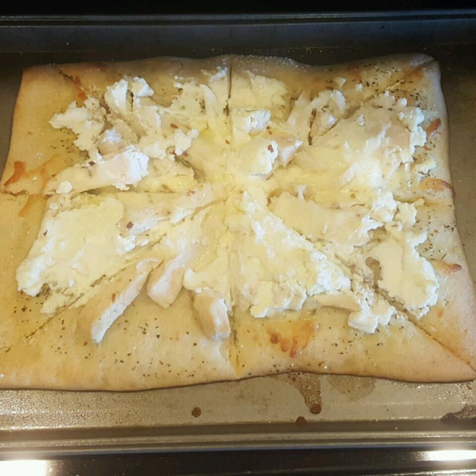 Chicken Garlic Pizza LaurenForan5