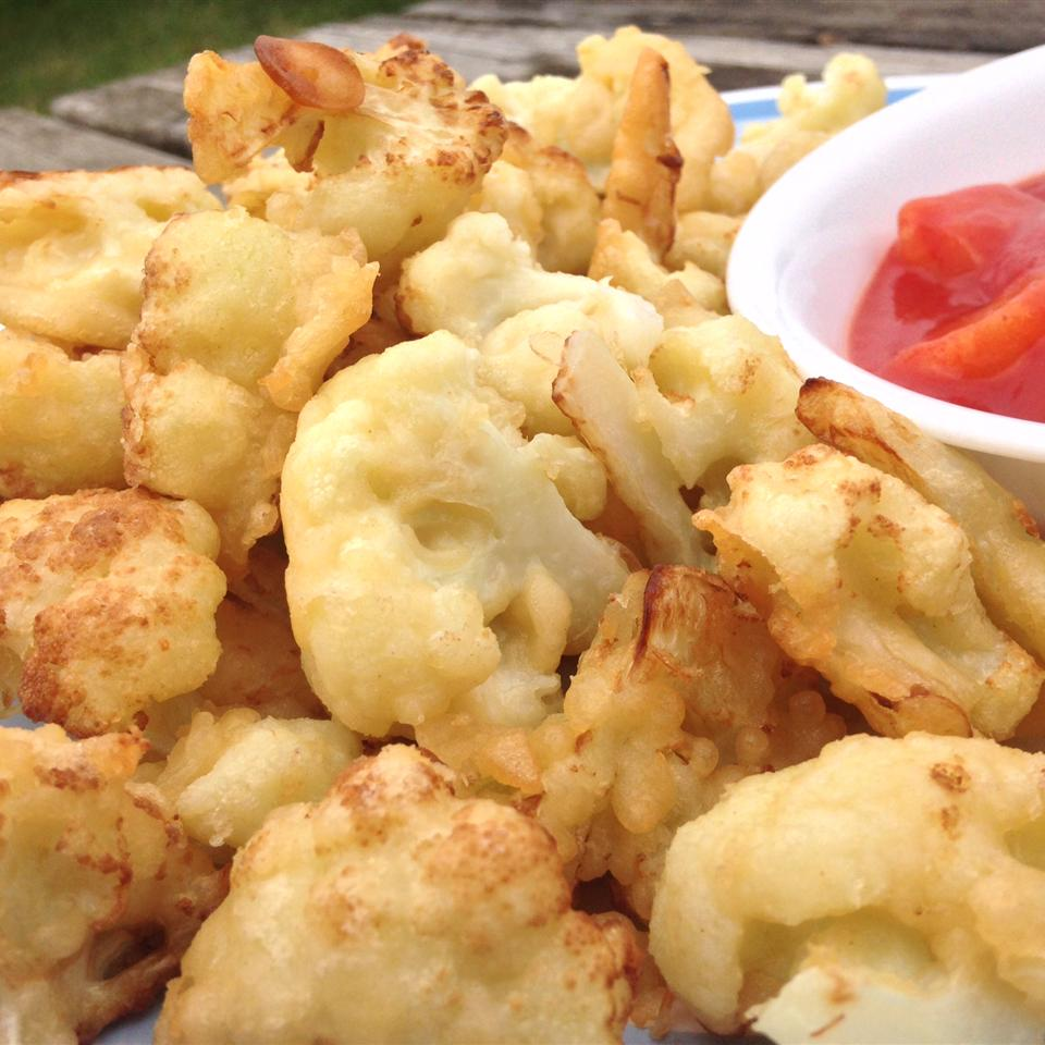 Tasty Fried Cauliflower with Sweet and Sour Sauce