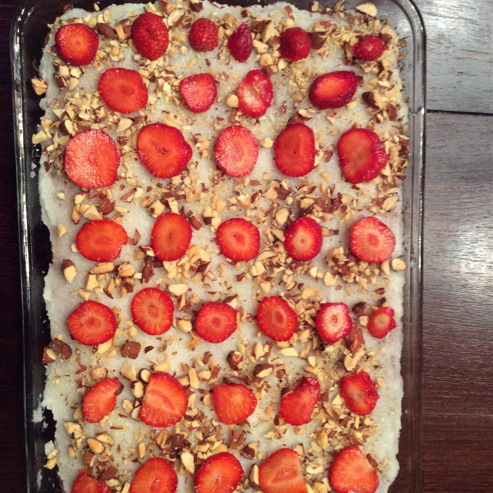 Jesse and Steve's Fresh Strawberry Cake Ribs