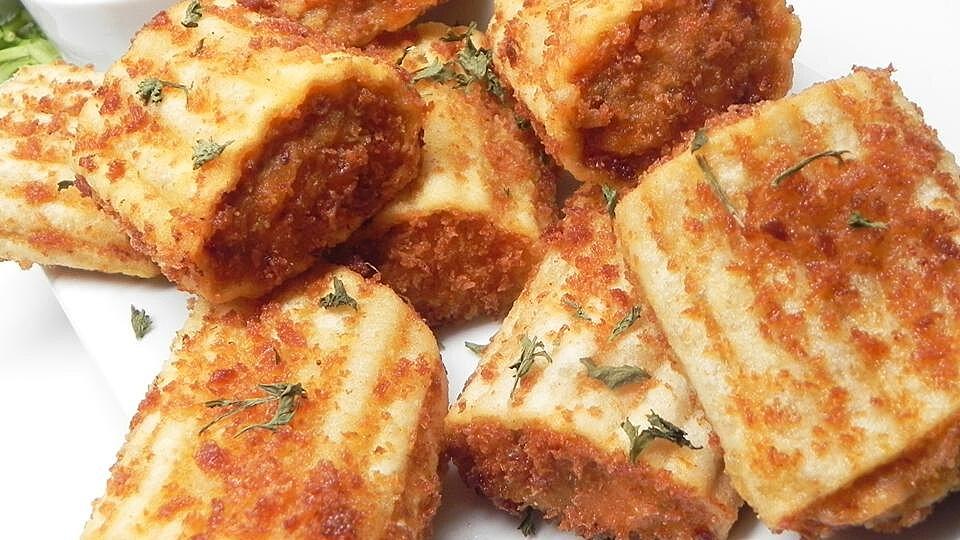 Deep-Fried Lasagna Pieces