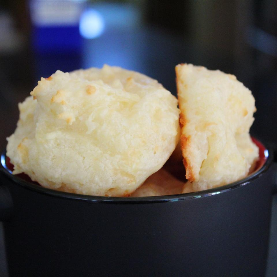 Brazilian Crispy Cheese Bread sanzoe