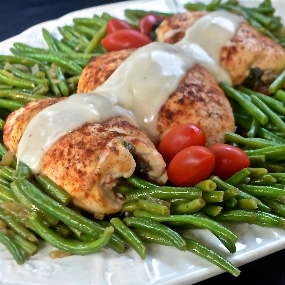 Spinach Stuffed Chicken and Gravy Bibi