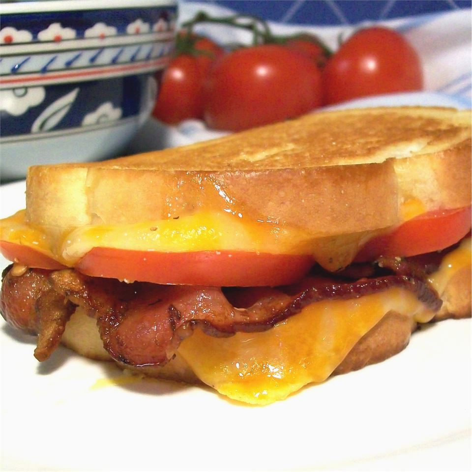 Tomato Bacon Grilled Cheese SunnyByrd