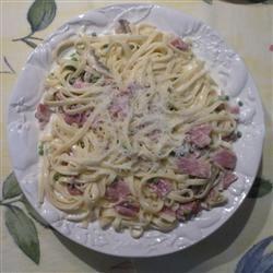 Fettuccine Alfredo with Ham Jmotley123