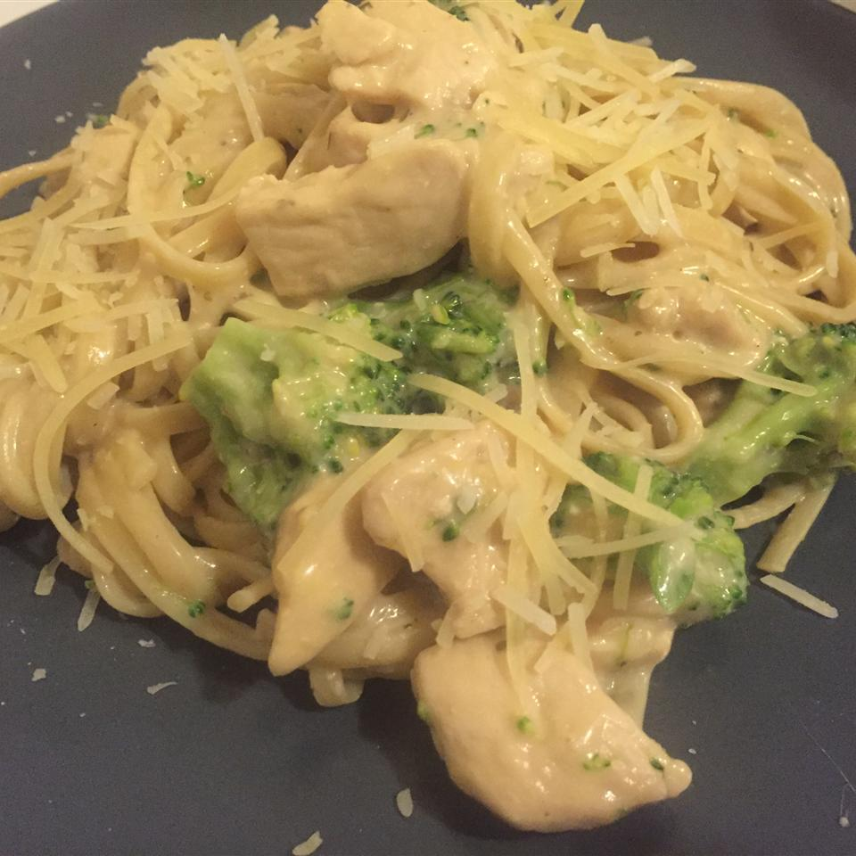 Chicken and Broccoli Alfredo Rocio C Taveras