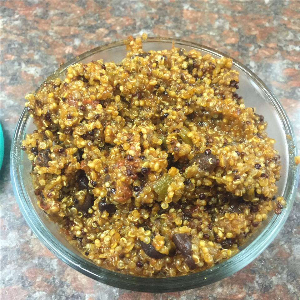 Super Easy Southwest-Style Quinoa (Cooked in Rice Cooker)