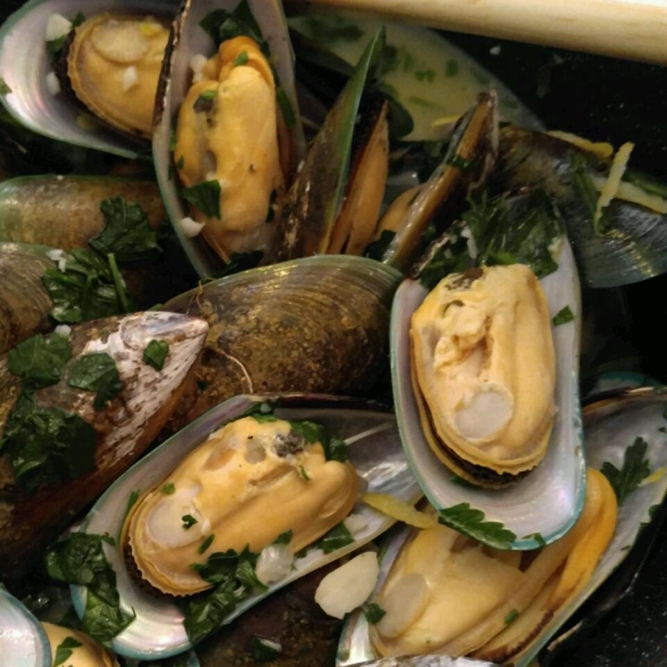 Drunken Mussels Millie W. Kwan