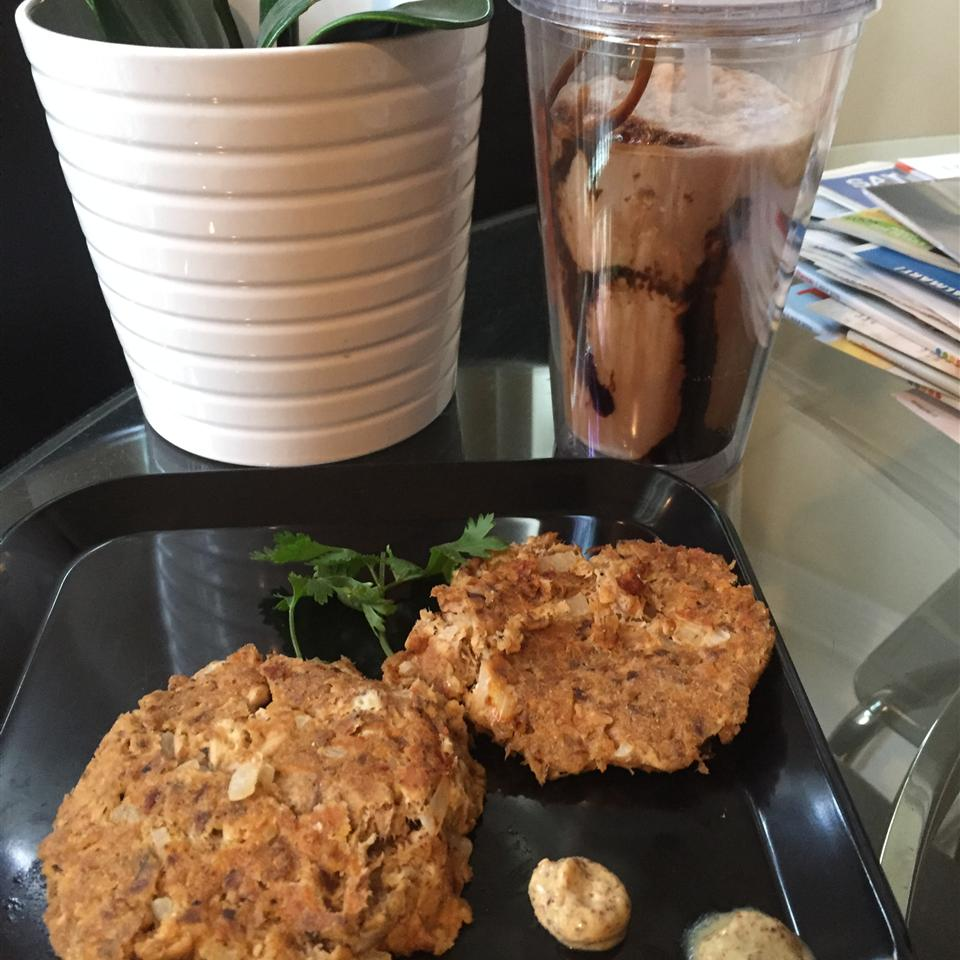 Low-Carb Tuna and Mackerel Cakes