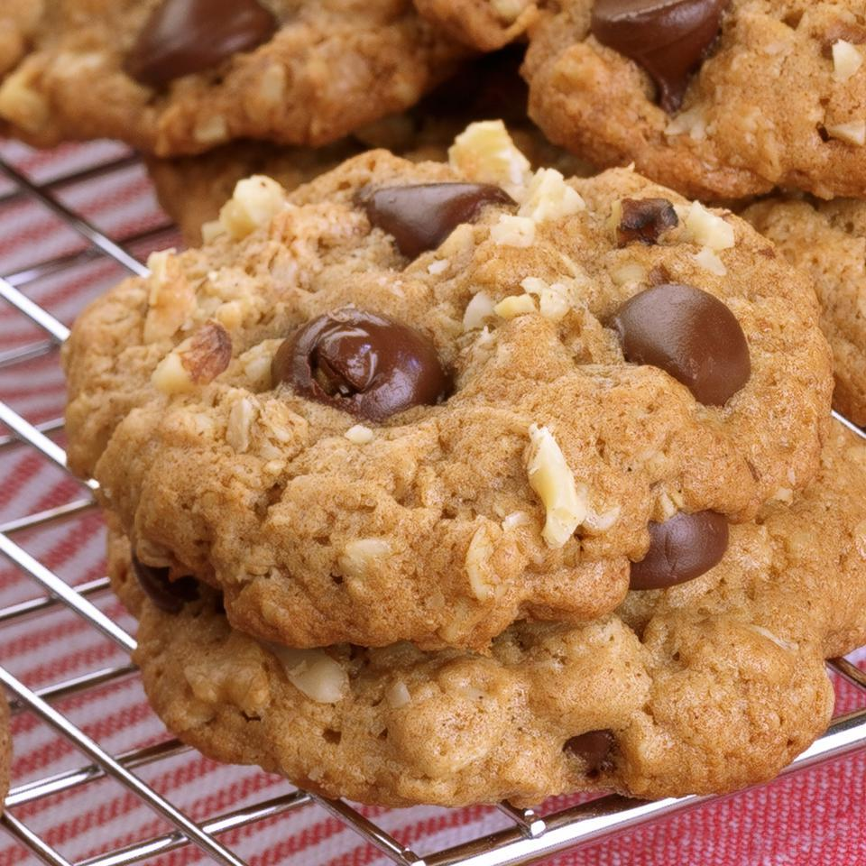 Oatmeal Chocolate Chip Cookies EatingWell Test Kitchen