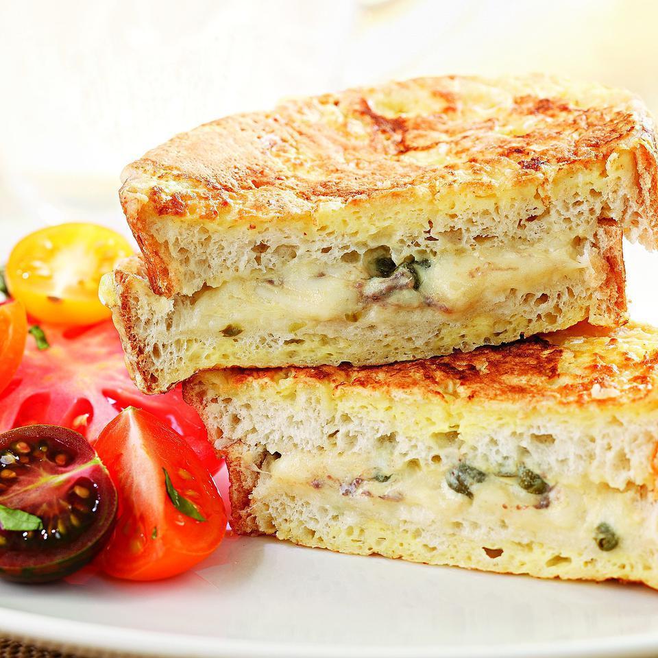 Mozzarella en Carrozza EatingWell Test Kitchen