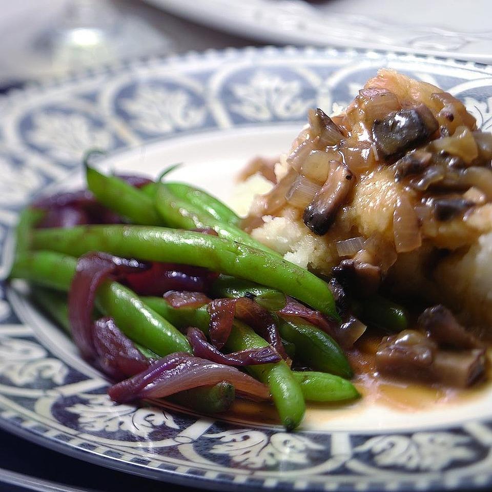Mashed Garlicky Potatoes with Portobello Gravy Kathy Farrell-Kingsley