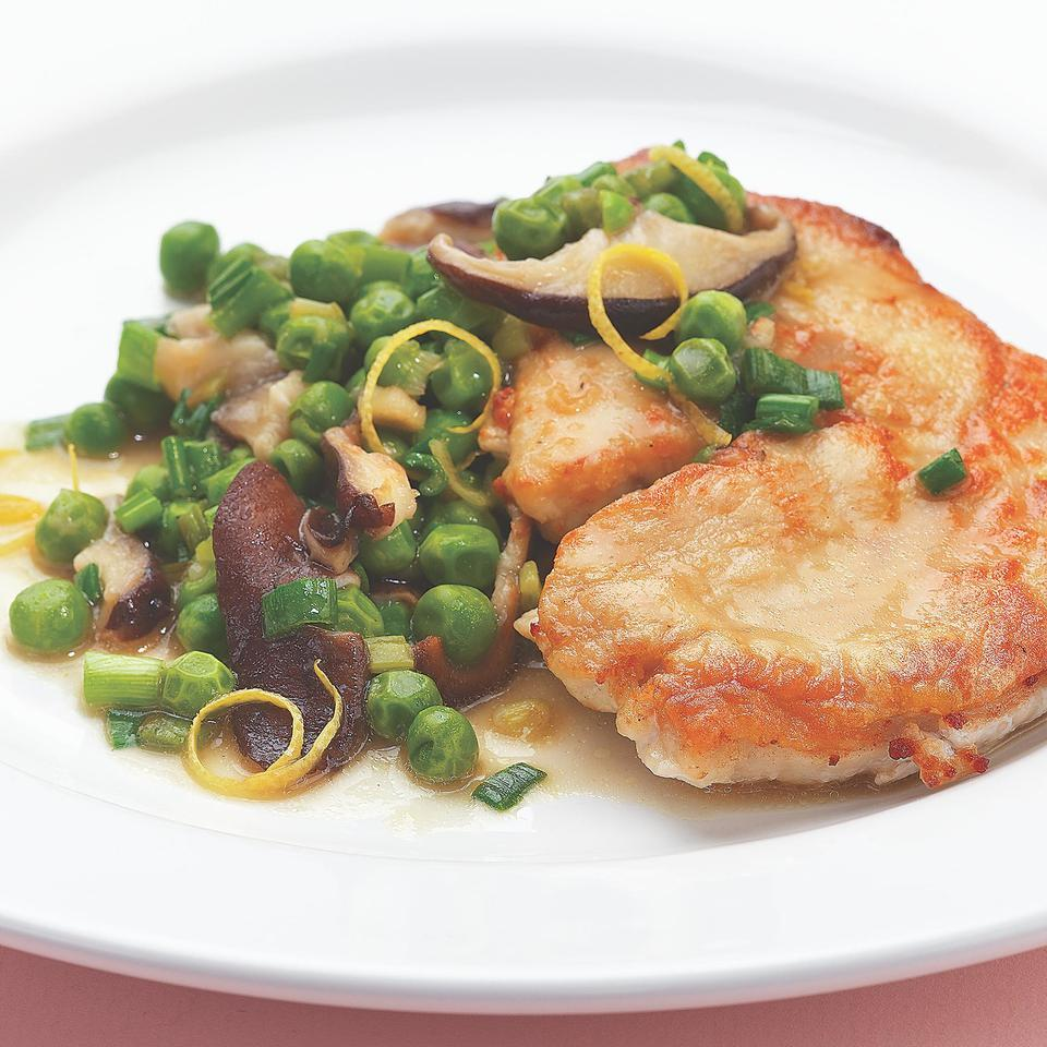 Turkey Cutlets with Peas & Spring Onions EatingWell Test Kitchen