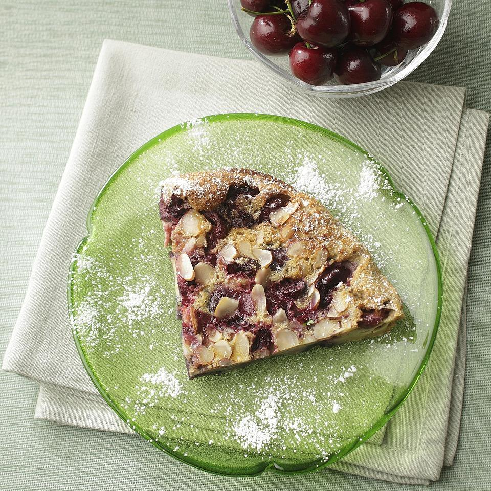 This puffed cherry pancake is similar to an Apfelpfannkuchen--a puffy German pancake full of apples. Dust it with confectioners' sugar or drizzle with maple syrup for a special breakfast treat.