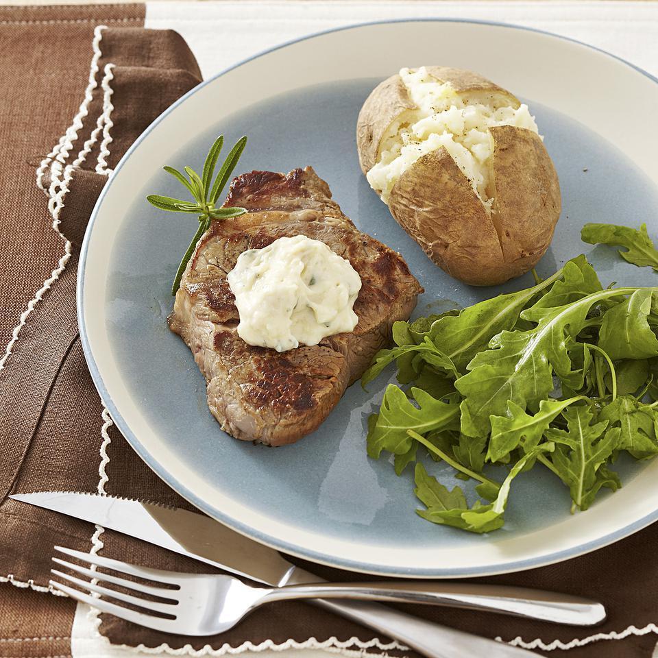 Seared Steak with Roasted Garlic Aioli EatingWell Test Kitchen