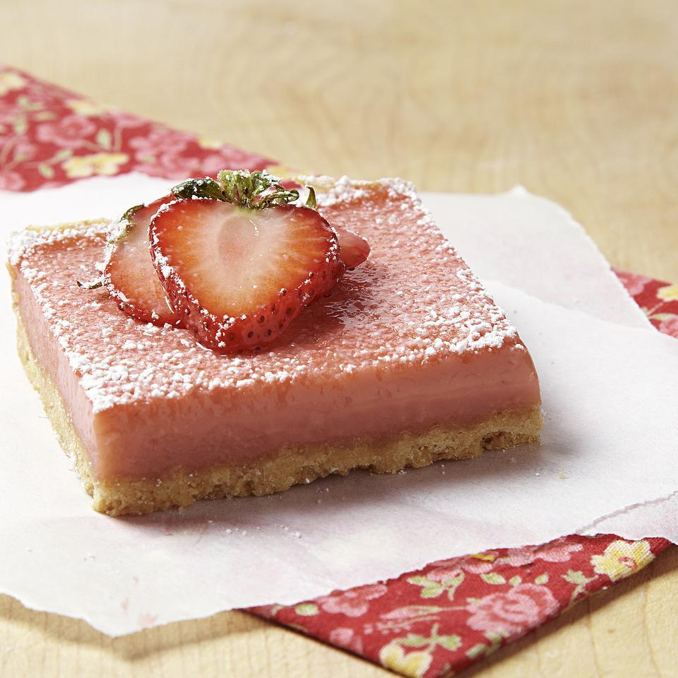 Inspired by our love of lemon squares, we developed this healthy strawberry-rhubarb squares recipe. We slashed the butter in the shortbread crust for these strawberry-rhubarb bars, but kept the crust light and crisp with heart-healthy canola oil and a little cornstarch. A judicious amount of sugar in the filling lets the natural sweetness of the fruit shine and keeps calories in check.