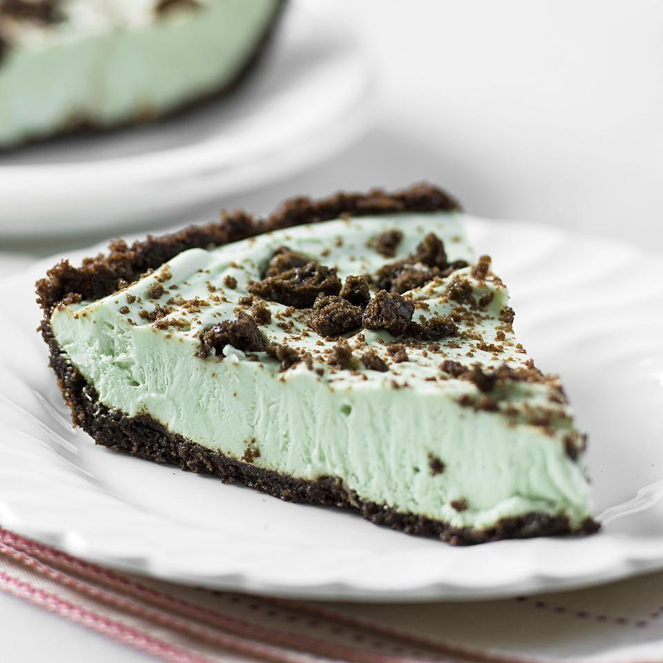 In this healthy grasshopper mint and chocolate ice cream pie recipe, you'll save about 150 calories and half the saturated fat per serving versus a traditional ice cream pie by using nonfat Greek yogurt and heart-healthy oil instead of butter.