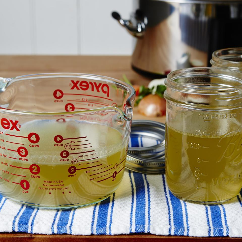 Slow-Cooker Chicken Stock EatingWell Test Kitchen