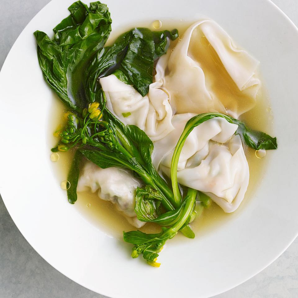 This recipe for homemade wontons makes it easy to make a healthy version of the famous Chinese wonton soup at home. Look for wonton wrappers in the refrigerated section of your supermarket near the fresh noodles or tofu and go for the square ones (not round). Leftover wrappers can be wrapped airtight and frozen for up to 1 month.