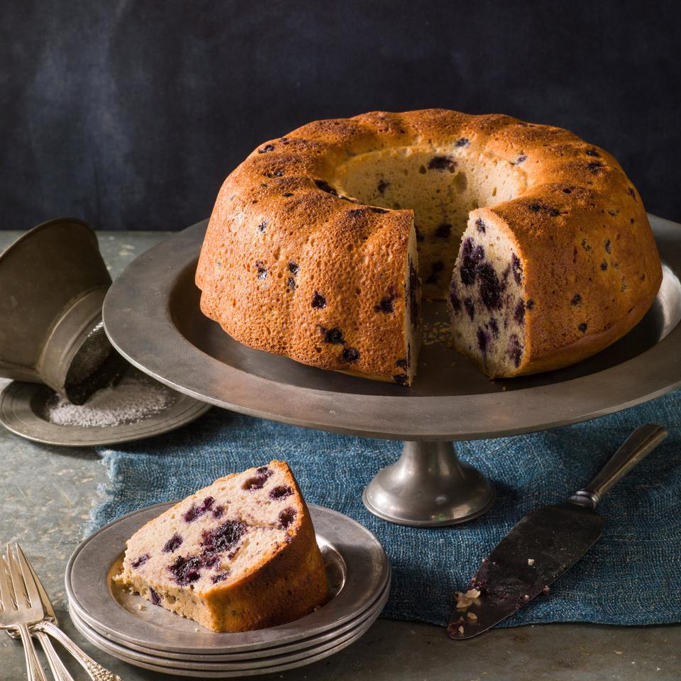 In this healthy Bundt cake, you get double the berry goodness with a center layer of blueberries and ginger plus whole blueberries tossed into the batter. Serve with coffee at brunch, bring to a potluck or top with vanilla frozen yogurt for a healthy dessert.