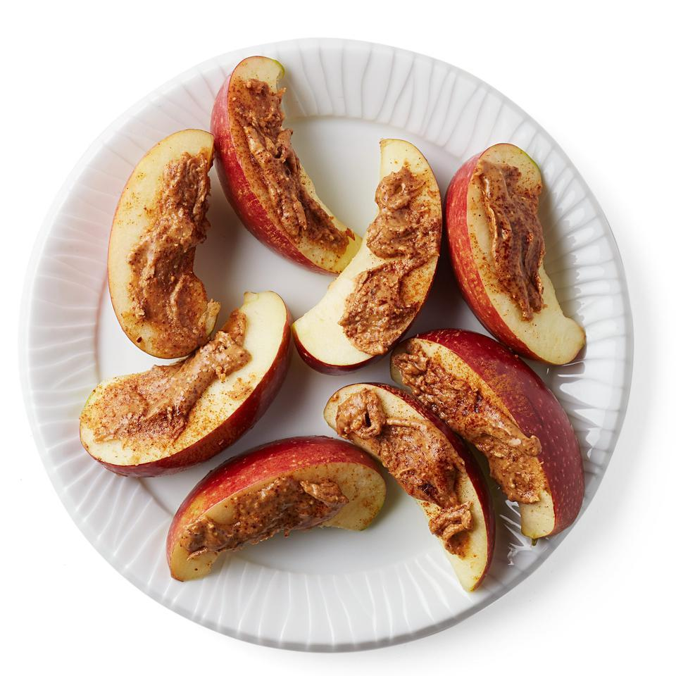 Apple with Cinnamon Almond Butter Sara Haas, R.D.N., L.D.N.