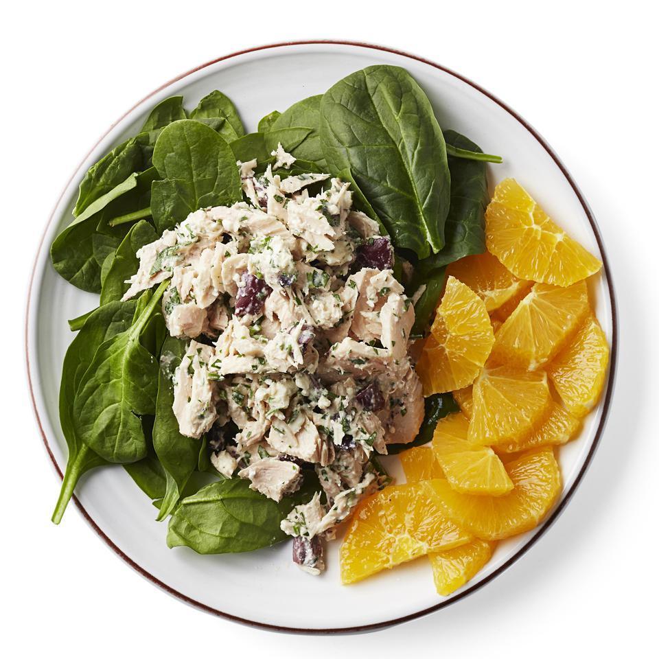 Mediterranean Tuna-Spinach Salad Sara Haas, R.D.N., L.D.N.