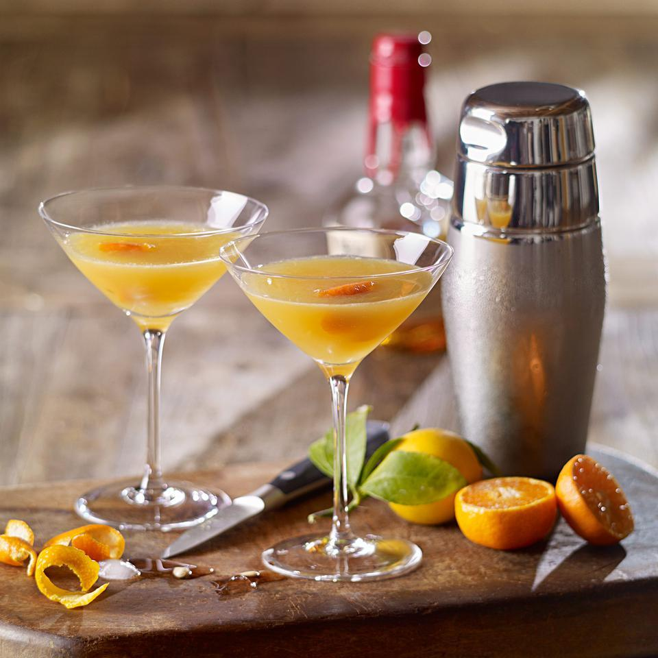 A fresh twist on a classic cocktail, this quick drink recipe uses sweet tangerine juice to balance the tang of bourbon. Source: EatingWell Magazine, March/April 2016