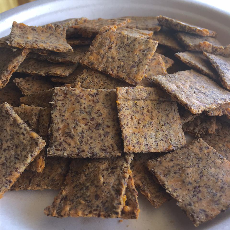 Low-Carb Almond Garlic Crackers TerryV