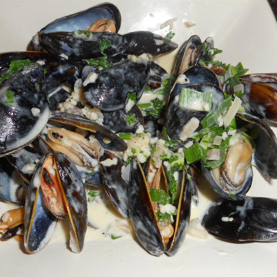 Mussels in Curry Cream Sauce leslie louise