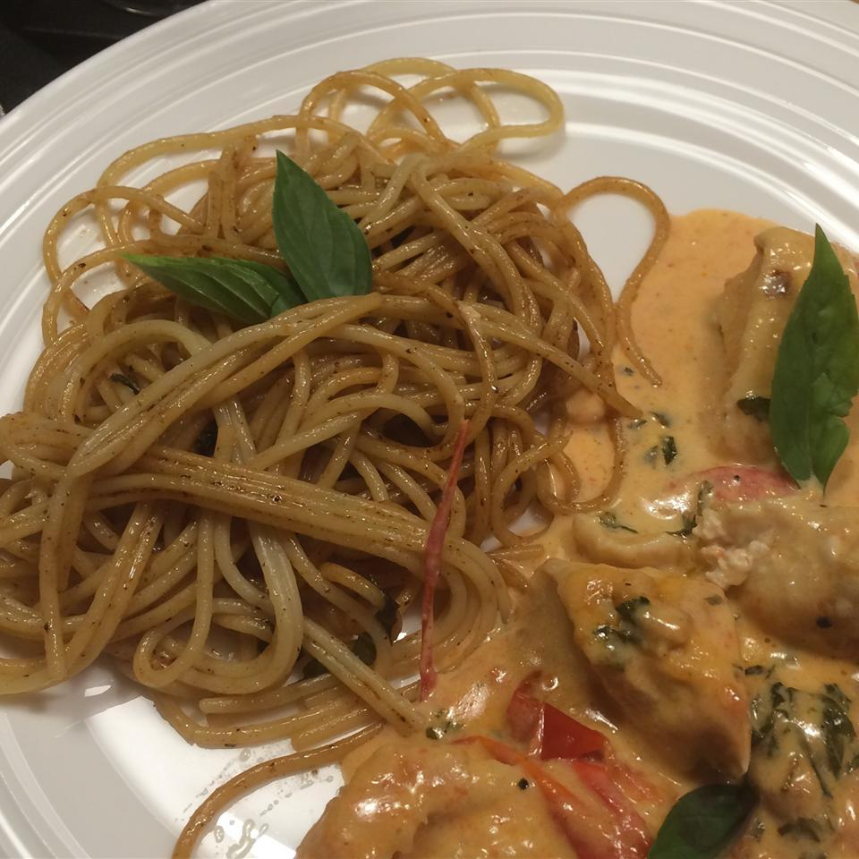 Spaghetti with Garlic and Basil
