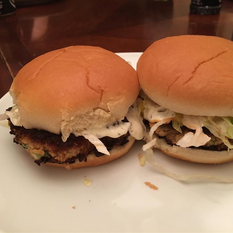 Salmon Burgers with Lemon Basil Mayo Chefjay85