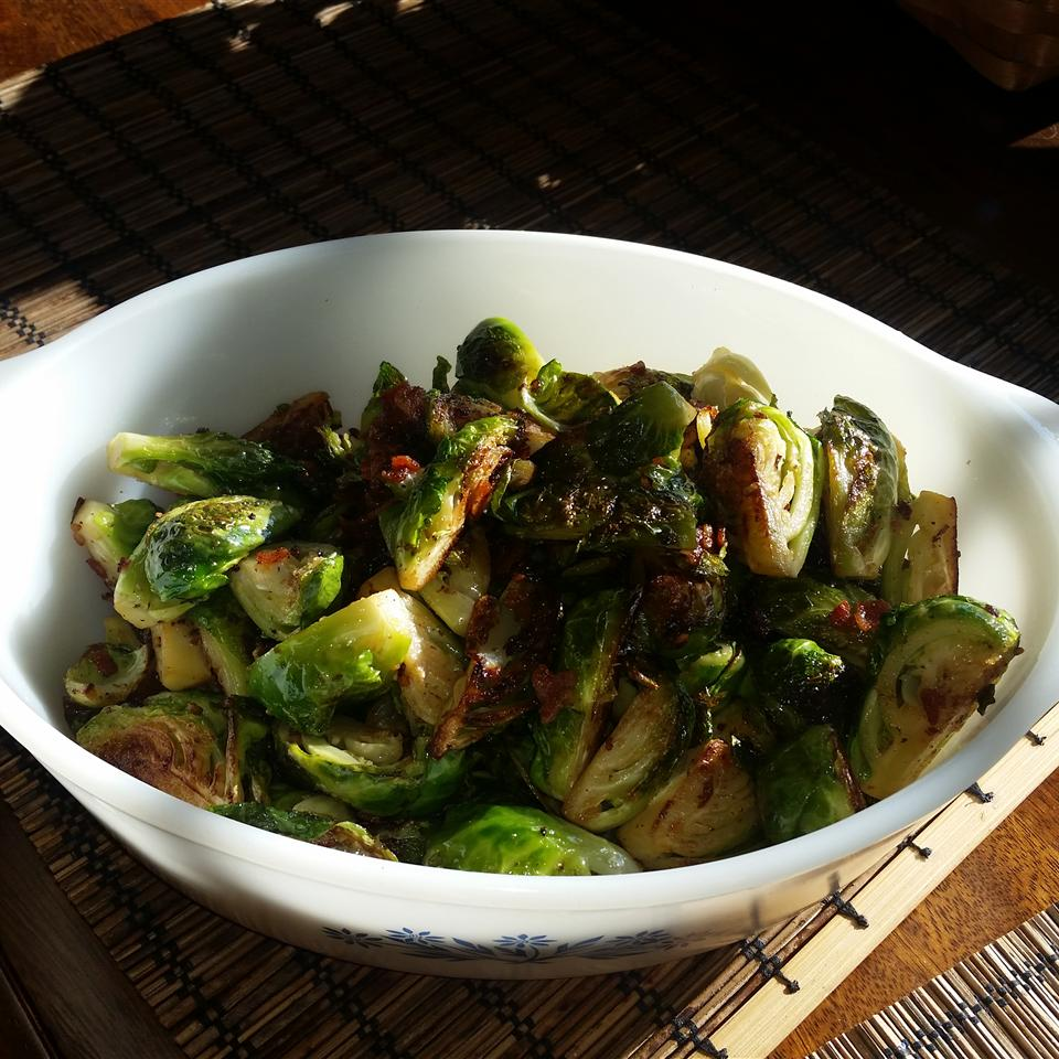 Garlic Brussels Sprouts with Crispy Bacon Madelyn