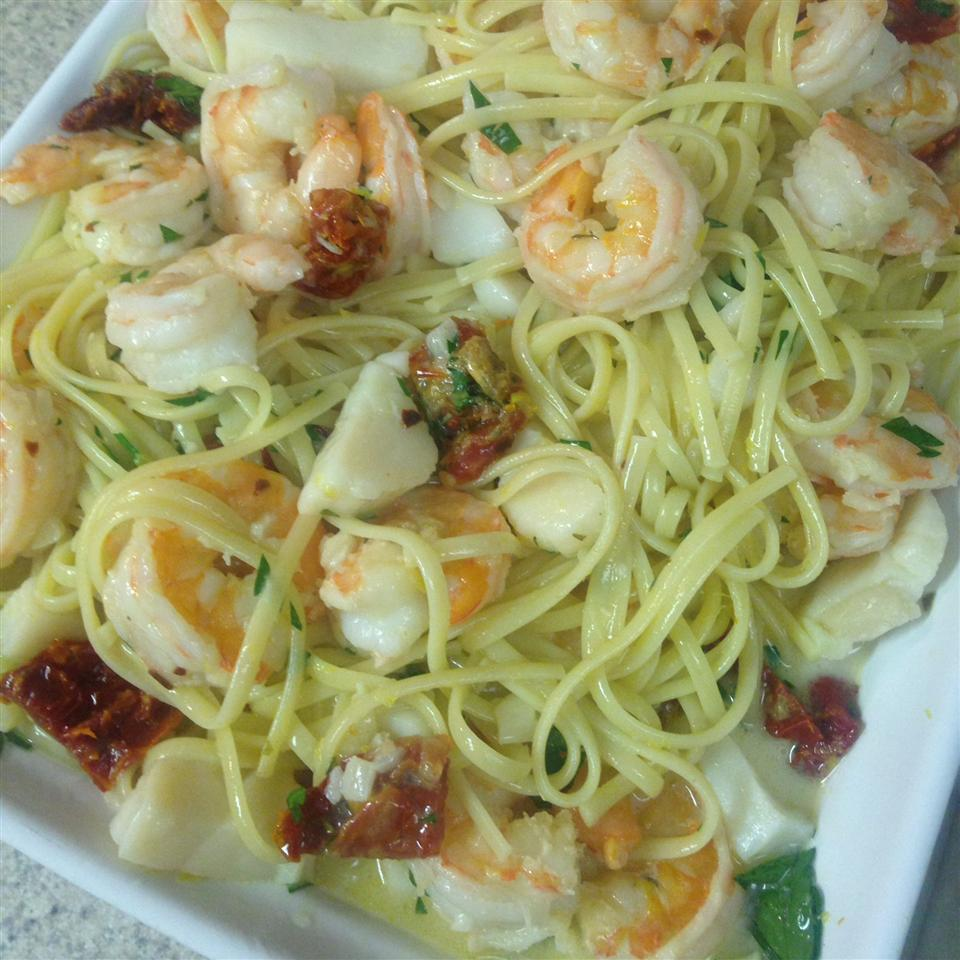 Linguine with Seafood and Sundried Tomatoes Ann Cassidy