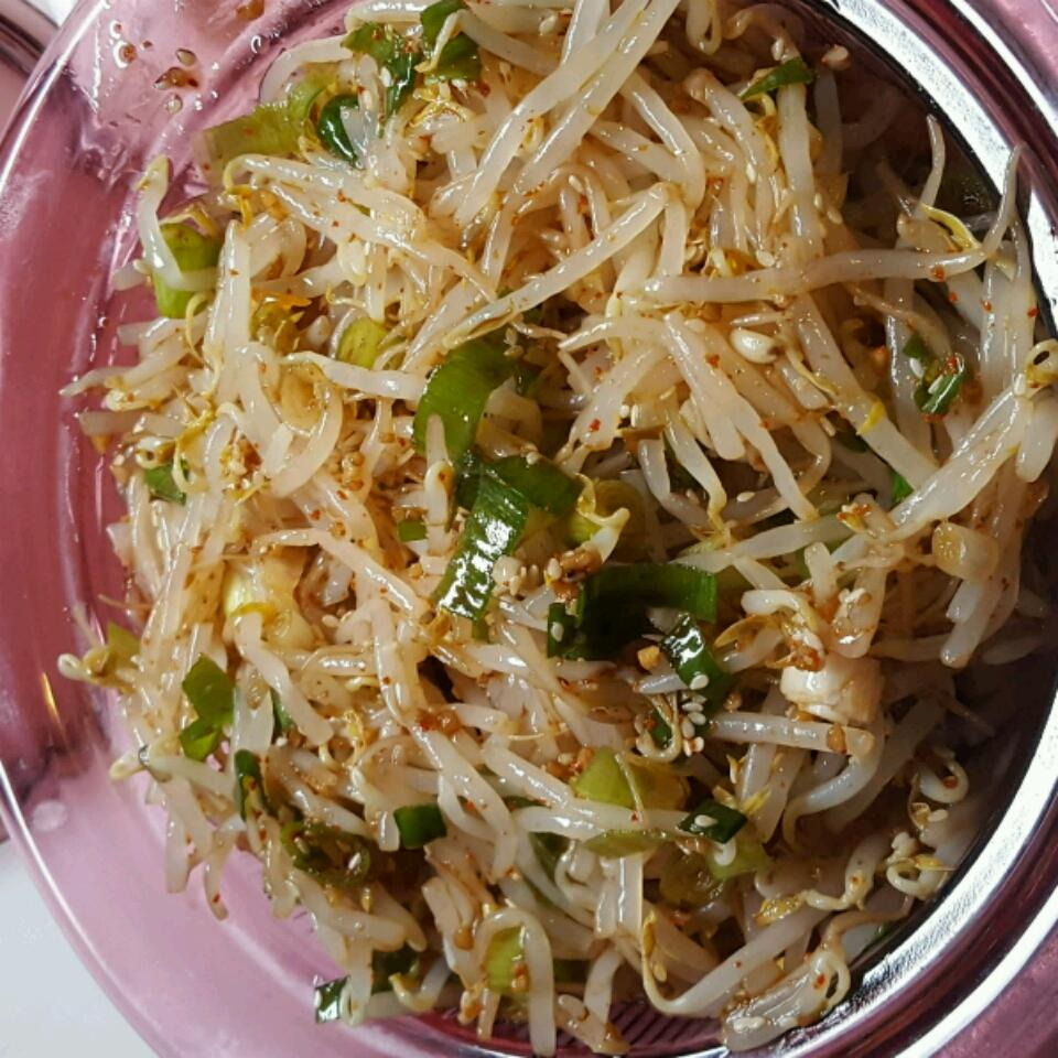 Kongnamool (Korean Soybean Sprouts) Laurie Bartoloni