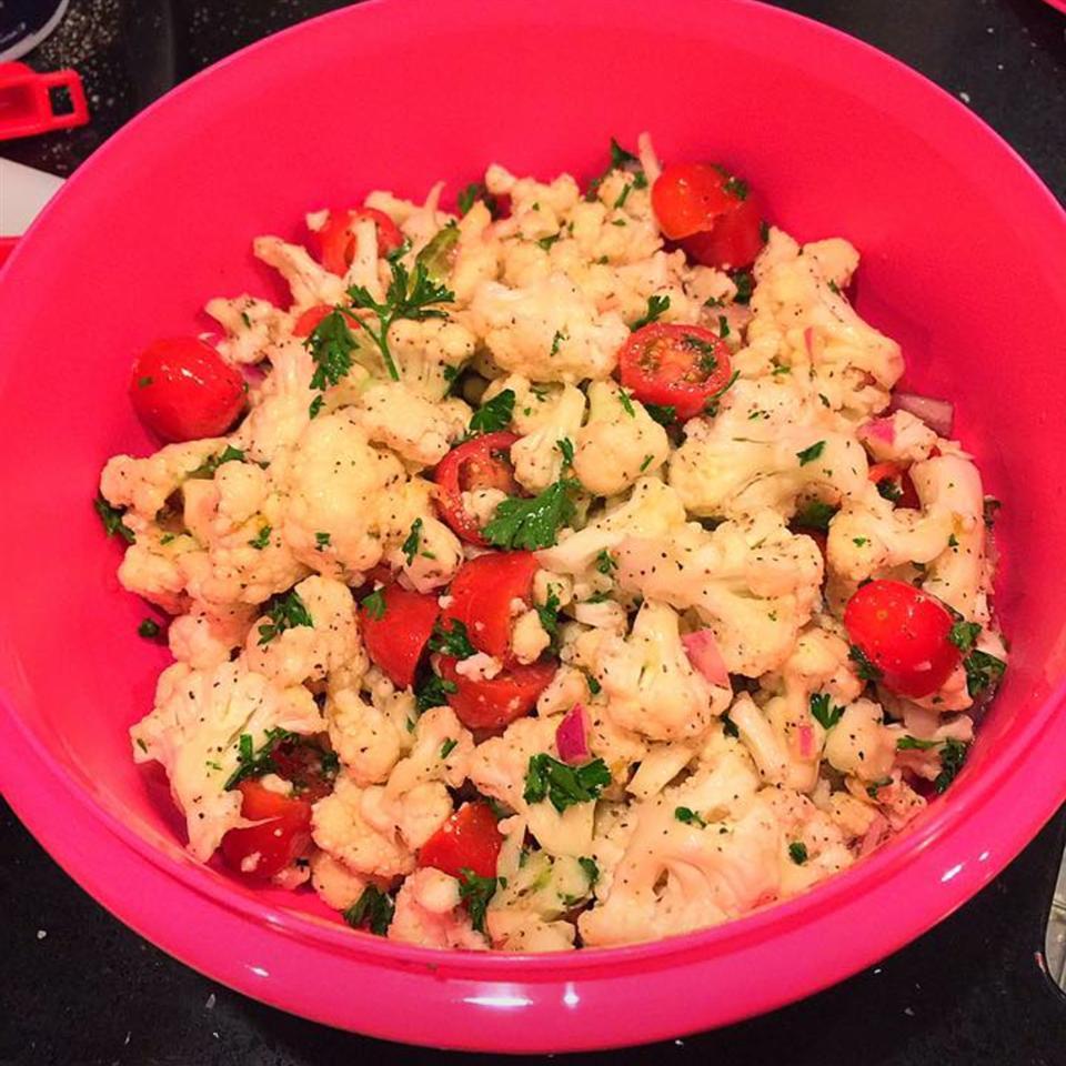 Crunchy Cauliflower and Tomato Salad Miranda Trújillo