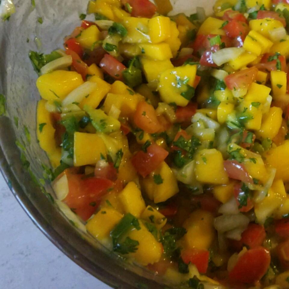 Quick Mango Salsa Yola Gonzalez
