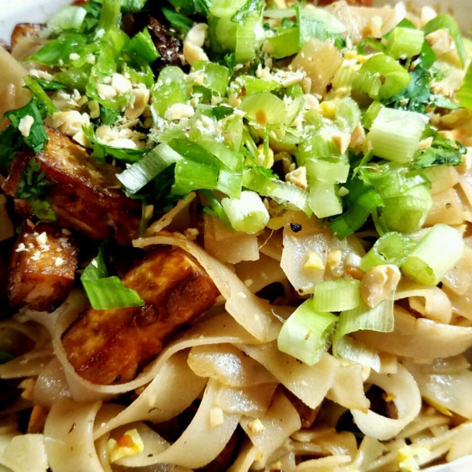 Authentic Pad Thai Noodles catmattava